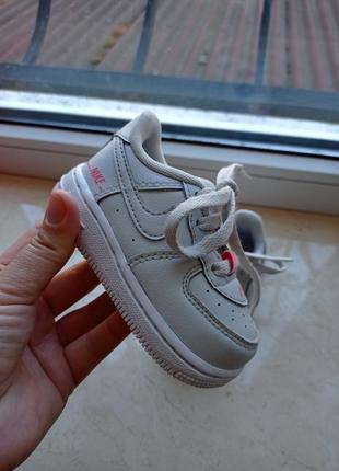 Оригінальні кросівки nike force