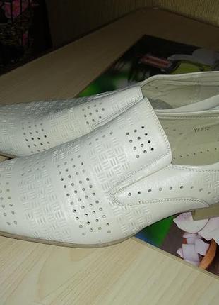 Мужские кожаные туфли  размер 43