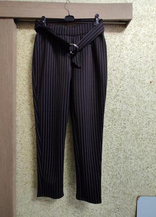 Шикарные зауженные штаны,очень стейчевые,не просвечивают 54-58р