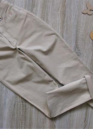 Бежевые джинсы мом eur 36