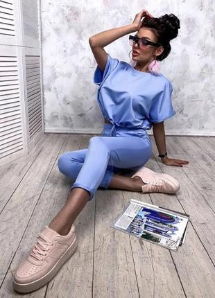 Стильный летний костюм футболка и укороченые брюки , голубой, белый