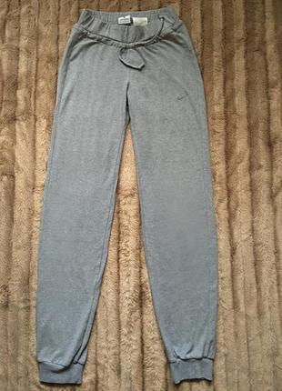 Серые штаны спортивные оригинал