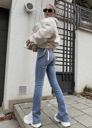 Актуальные джинсы зара