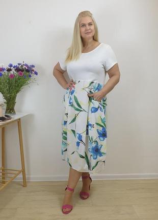 Белое женское платье с цветочным принтом из льна