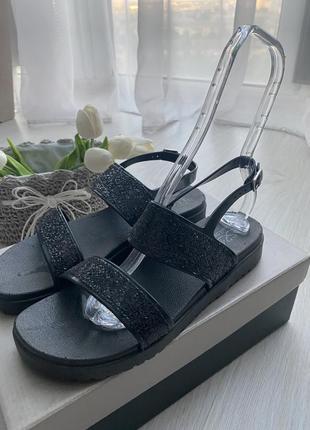 Женские резиновые босоножки сандалии