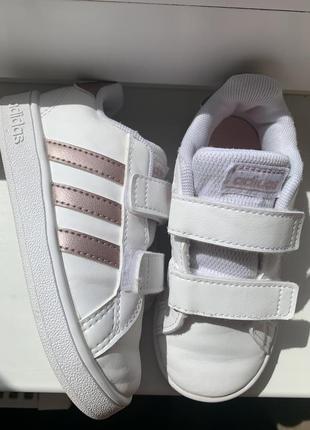 Кроссовки adidas 24 p