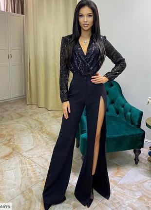 Женские стильные брюки с разрезом на одной ноге