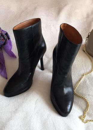 Шикарные кожаные зимние ботинки полусапожки 40 р & other stories