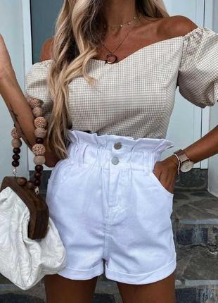 Белые джинсовые шорты на резинке