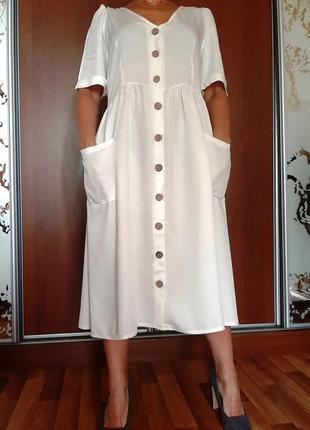 Белоснежное платье из 100% вискозы