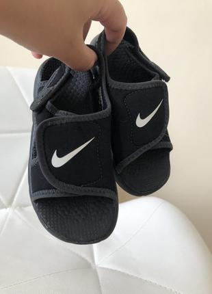 Найк босоніжки боссоножки сандалии сандали сандалі nike