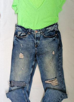 Джинсы мом бойфренды с футболкой  джинси