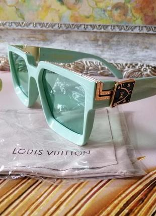 Эксклюзивные брендовые мятные солнцезащитные очки унисекс millioner с фирменным пыльником.