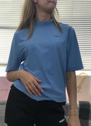 Идеальная футболка nike нежно-голубого цвета.