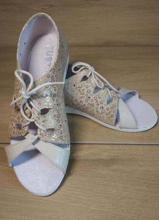 Распродажа! кожаные туфли с открытым носком. р.36,40.