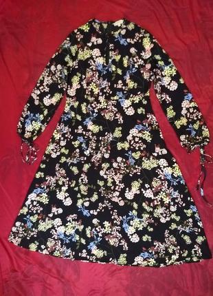 Легкое платье миди в мелкий цветочный принт
