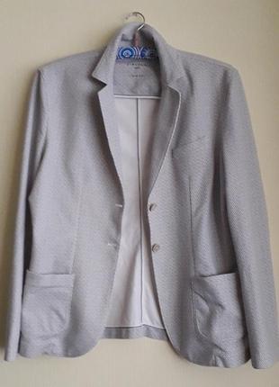 Брендовый дизайнерский женский пиджак фирмы circolo 1901,,оригинал,новый,сток