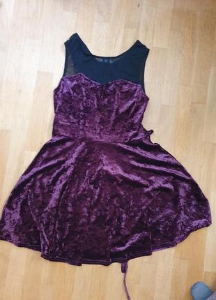 Бархатное платье чернее