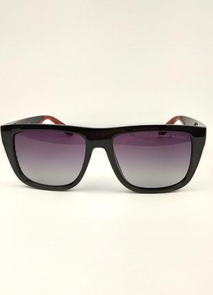 Солнцезащитные очки «miami» в черной матовой оправе с красной дужкой и черной линзой