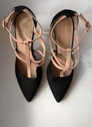 Босоножки на каблуку new look