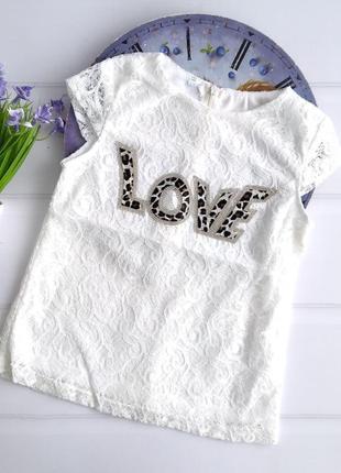 Детская нарядная белая блузкк футболочка love