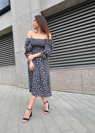Платье миди с пышным рукавом цветочный принт