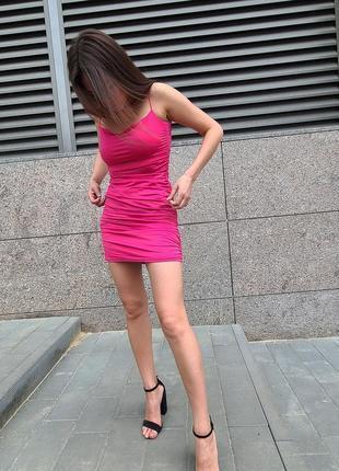 Платье мини базовое со сборками розовое