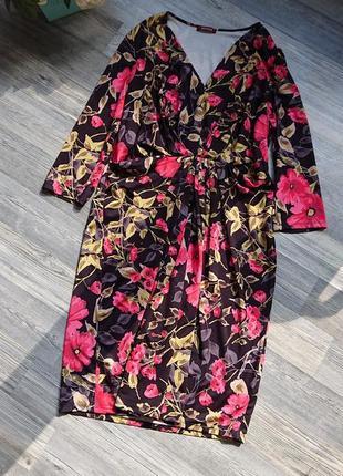 Красивое женское платье в цветы большой размер батал 48/50 /52