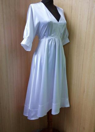 Винтажное летнее атласное нарядное коктейльное белое платье bershka m/l