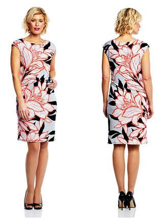 Красочное цветочное платье по фигуре c драпировкой р.18