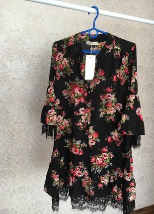 Легке плаття в квітковий принт в розмірі м