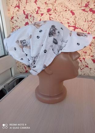 Косынка повязка бандана с козырьком собачки на белом