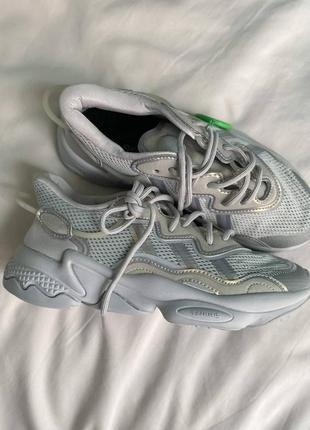 Стильные кроссовки adidas