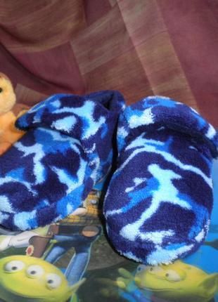 Тёплые удобные  мягкие и лёгкие тапочки на липучке peacocks kids 24 р