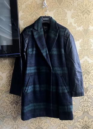 Новое длинное шерстяное черное пальто в крупную клетку с кожаными рукавами от reserved