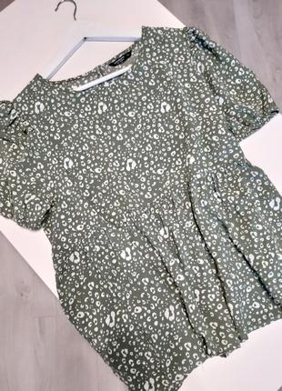 Легка літня блуза в принт