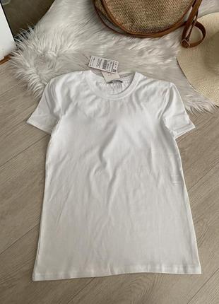 Новая  белая футболка от zara