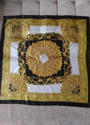 Шёлковый платок в стиле versace