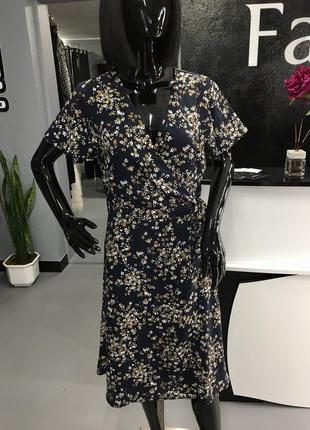 Розкішна легка сукня, фірми h&m, в квітковий принт