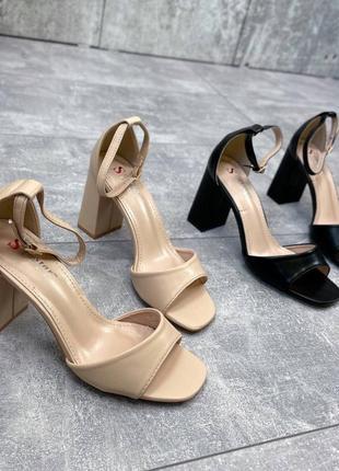 Босоножки женские  на устойчивом каблуке5 фото
