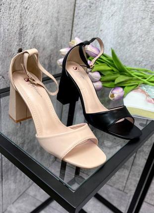 Босоножки женские  на устойчивом каблуке7 фото