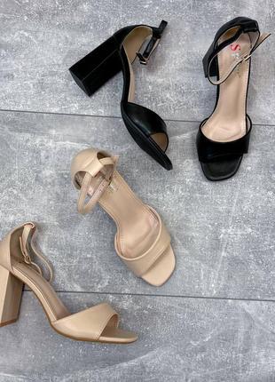 Босоножки женские  на устойчивом каблуке6 фото