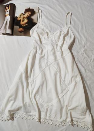 Marks & spencer кремовый коттоновый сарафан с вышивкой ришелье  и кружевом