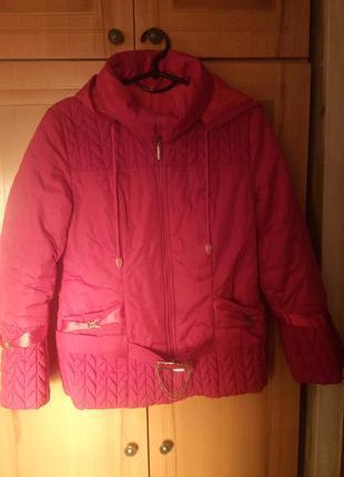 Осенне-весенняя куртка на девочку