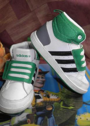 Классные стильные качественные кроссовки оригинал adidas neo на липучках 25 р