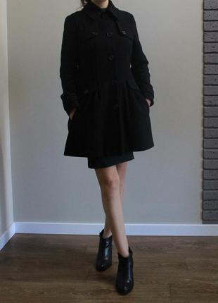 Классическое пальто в составе шерсть теплое