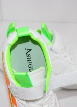 Белые модные кроссовки для девочек7 фото