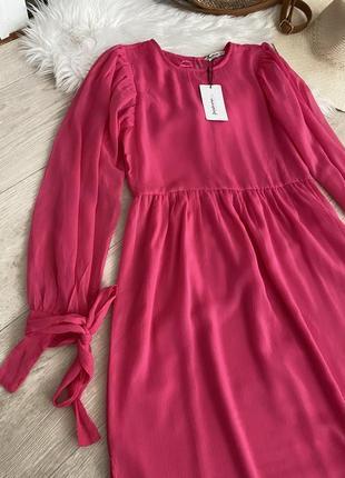 Новое платье миди от stradivarius
