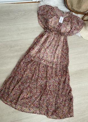 Новое платье в цветы от stradivarius