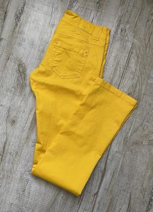 Желтые джинсы terranova. хлопок, стрейч. размер м, на наш 46-48